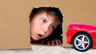 Сеня играет в Прятки с Маленькой машинкой Видео про Машинки для Детей