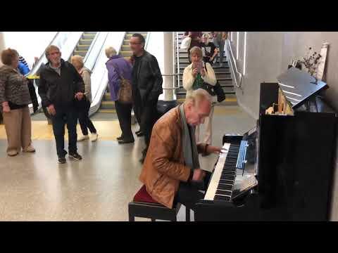 Live at Dundee Station 2019