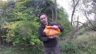 Video How To Make Sloe Gin | Foraging for sloes & a delicious recipe download MP3, 3GP, MP4, WEBM, AVI, FLV November 2017