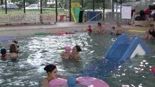 Erin a la piscine