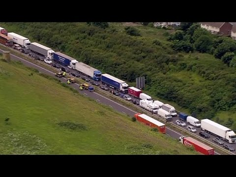 UK: Dover ferry port delays leave France-bound tourists stranded