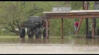 Man in Monster Truck Rescues Texas Flood Victims
