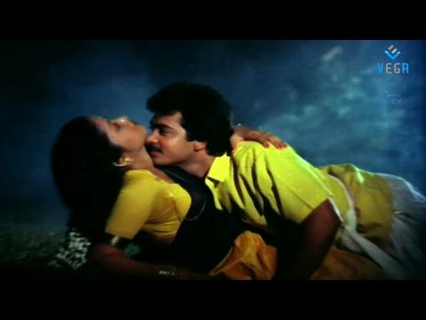 Oruvar Meethu Iruvar Sainthu Trailer (2013)