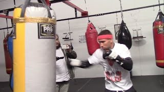 VASYL LOMACHENKO WORKS ON HIS TECHNIQUE ON THE HEAVYBAG @ OFFICIAL MEDIA WORKOUT