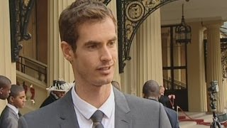 Prince William gives Andy Murray his OBE