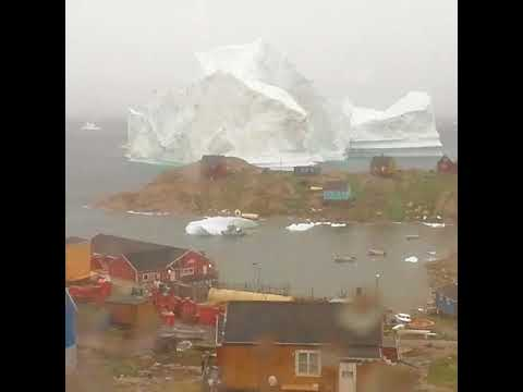 300-Foot-Tall Iceberg Drifts Dangerously Close to Greenlandic Village