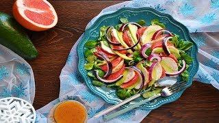 Салат из курицы с авокадо и грейпфрутом