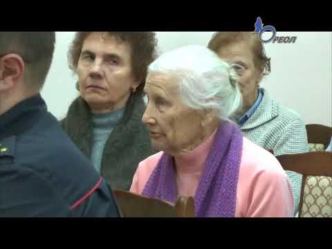 Сланцевские участковые отчитались перед жителями о результатах своей работы за 2017 год