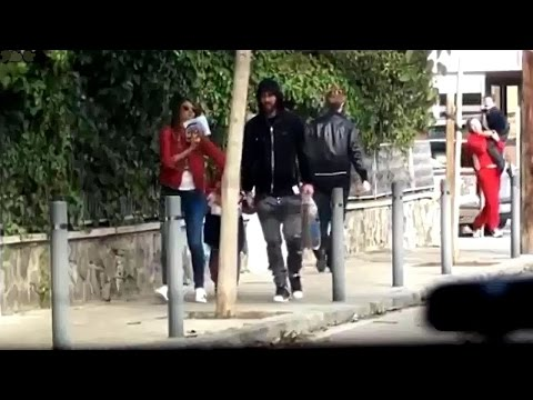 Messi walking streets of Barcelona with wife and son after PSG win | 2017