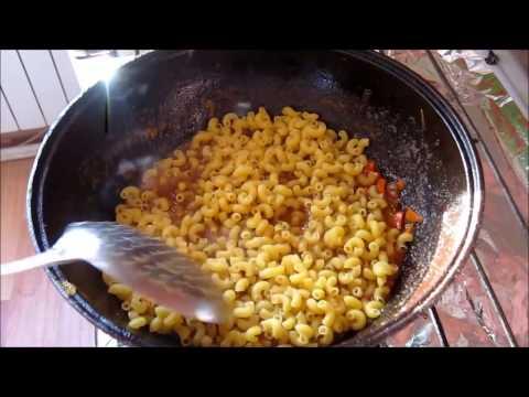 Рецепт: Макароны с сосисками, запеченные в сливках, с