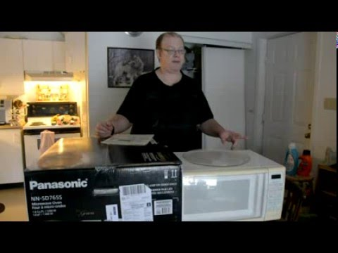 unboxing and viewing the panasonic nn sd765 1 6 cu ft microwave oven