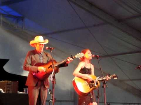 Gillian Welch with David Rawlings - Look at Miss Ohio at ACL 2011