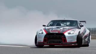 Nissan GT-R phá Kỷ lục Thế giới bằng cú drift 305 km/h