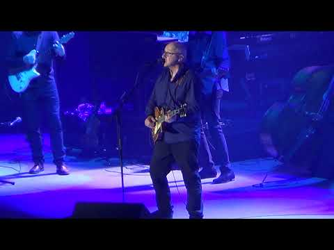 Mark Knopfler - Silvertown Blues (Live @ Altice Arena, Portugal)