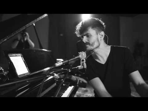 Rai Thistlethwayte - I Remember - Live at Loop Studios, Perth