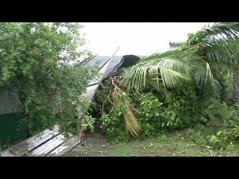 Reunion adası kasırgaya karşı kırmızı alarma geçti