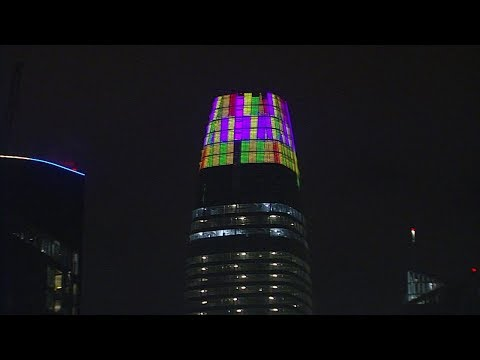 New light display adds to Salesforce Tower controversy