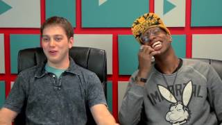 YouTubers React to Tight Pants   Body Rolls 1