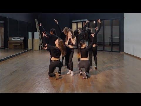 開始線上練舞:Roller Coaster(鏡面版)-ChungHa | 最新上架MV舞蹈影片
