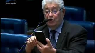 Requião lê no plenário carta de desfiliação do PMDB do sindicalista Antônio Neto