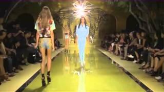 видео Модні жіночі джинси осінь-зима 2014-2015