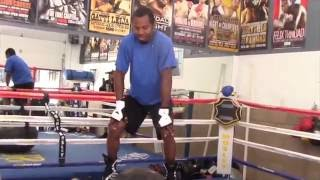 SHANE MOSLEY SHOWS EXTREME BALANCE & AGILITY BY RIDING GYM BALL @ PUBLIC WORKOUT (INCLUDES SHADOW)