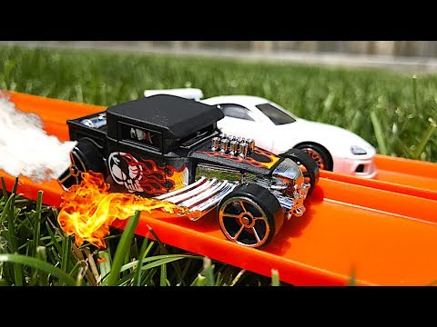 Hot Wheels Hot Rod Vs Supra!