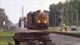 CSXT SD70AC/C40-8W DOUBLE HORN SHOW!!!!! From both locomotives at the same time on CSXT F732 Notch 8
