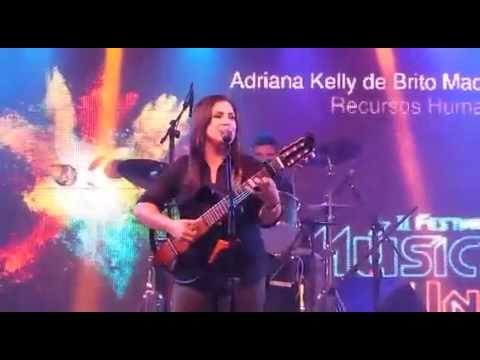 Adriana kelly no festival de musica na UNP