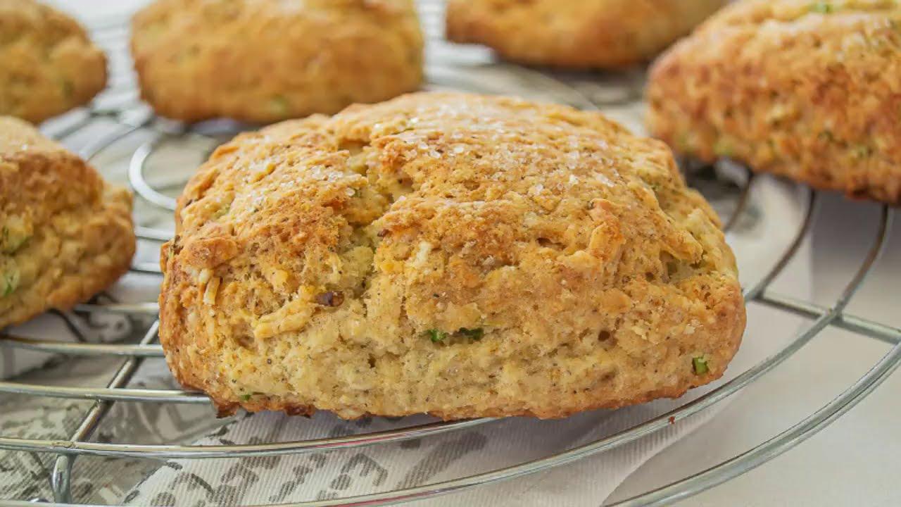 Biscuits de Sour Cream y Cebolla