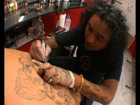 La Mala Vida Tattoo Piercing Youtube