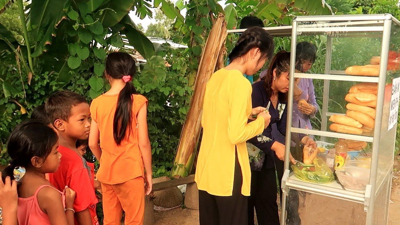 Phát Bánh Mì pate miễn phí cho bà con xã Hòa Bình Thạnh – Quà tặng của anh Kenny Truong