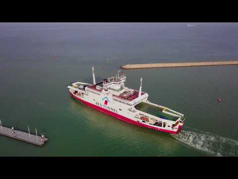 Cowes Parade & Royal Yacht Squadron - DJI Mavic Pro - Dec 2017