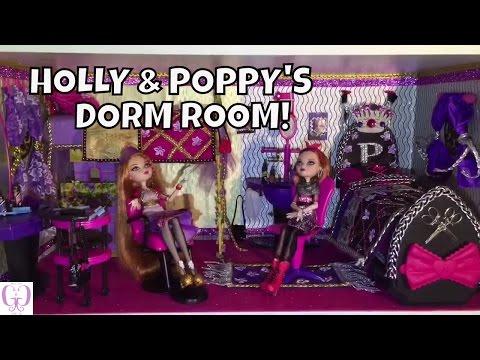 Ever After High Holly O Hair And Poppy O Hair Dorm Room