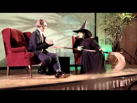 Batton Lash Interviews the Wicked Witch At Winkie Con 50!