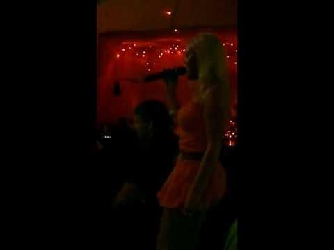 Ewelina Łzy-Karaoke La Rocca