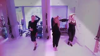 Easy and fun dance to get fit Gloria Estefan Hoy