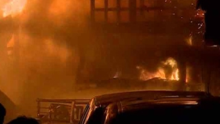 Video Mumbai: Fire breaks out at a godown in Kurla's Mohammad Estate area download MP3, 3GP, MP4, WEBM, AVI, FLV Oktober 2018