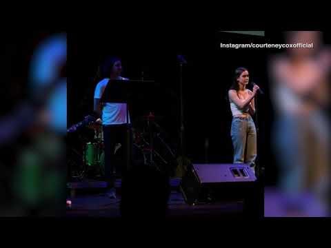 Courteney Cox daughter Coco sings alongside Gary Lightbody Mp3
