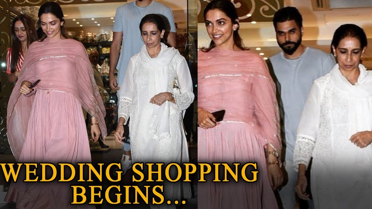 1f3c876af55 Deepika Padukone Goes Jewellery Shopping With Mother For Her Wedding ...