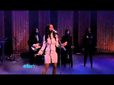 "Katy Perry singing Firework at ""The Ellen DeGeneres Show"""