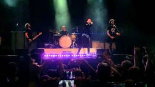 (Live) Denak Ez Du Balio - Berri Txarrak & Tim McIlrath @ BEC (Bilbao) | 4-oct-2015