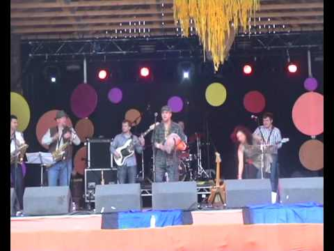 Den Collective live at Knockengorroch 2010 - Set Y...