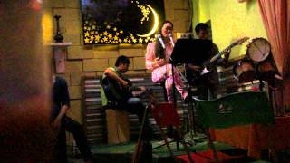 Đường xưa - Ngọc Quyên (guitar)