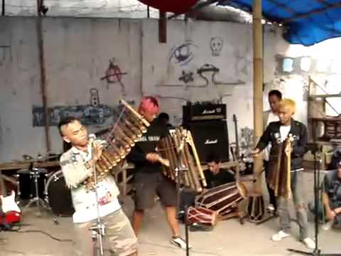 Punk love angklung.mp4 Mp3
