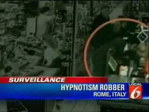 Hypnotist Thief Steals Money