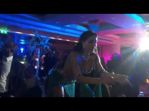 Alla Kushnir arabic wedding in Egypt/آﻻ كاشونير ترقص في فرح مصري thumbnail