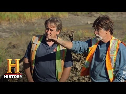 The Curse of Oak Island: Rick Looks for ANSWERS in MYSTERIOUS ROCK FEATURES (Season 7) | History