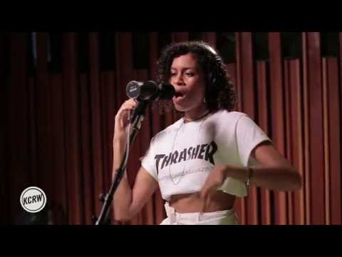"AlunaGeorge performing ""Automatic"" Live on KCRW"