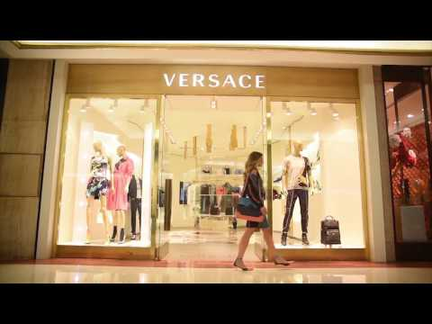 Thassia In Motion   Versace Sao Paulo Boutique